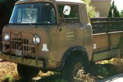 Jeep M676 dwuosobowa kabina