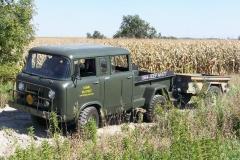 Jeep M677 z przyczepą
