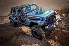 Jeep-Wrangler-Rubicon-V2-Sema-2019-dodatkowe-oświetlenie-LED-scaled
