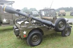 Willys M38A1 z wyrzutnią rakiet