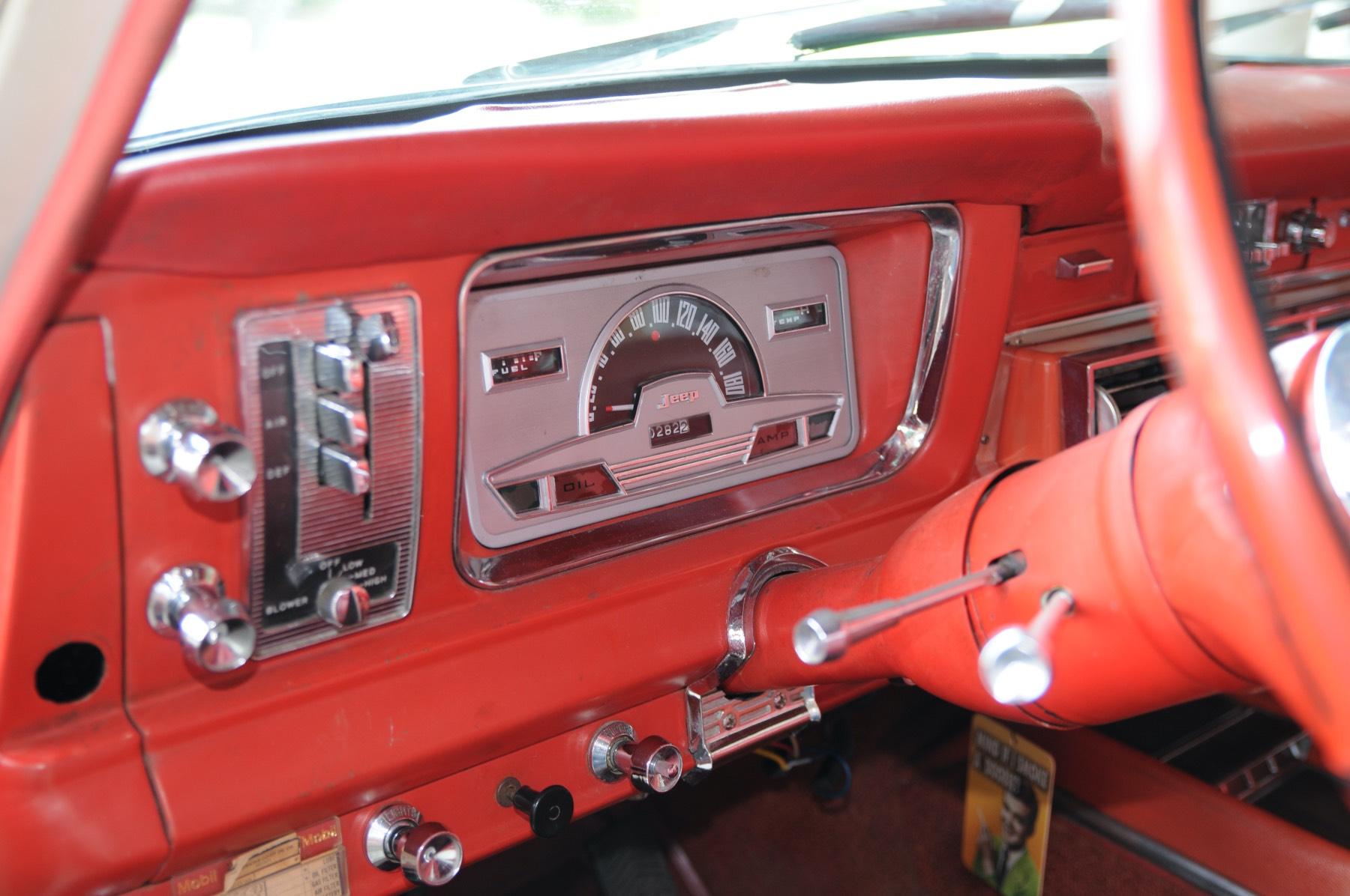 Jeep Super Wagoneer 1967